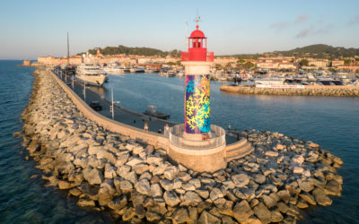 Coraux Fractals 1 : artwork installed on the wall of the Port of Saint-Tropez Lighthouse